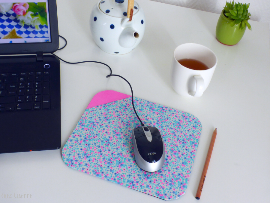 diy tapis de souris un bureau printanier chez lisette. Black Bedroom Furniture Sets. Home Design Ideas