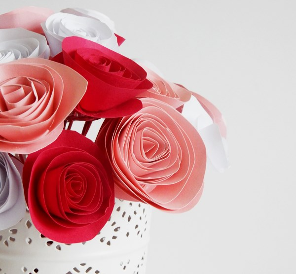A voir ailleurs de jolis diy 3 chez lisette - Faire fleur en papier ...